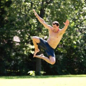 Flexibilität ermöglicht es einem, die Kraft spektakulär einzusetzen Quelle: http://gmb.io/hip-flexibility/